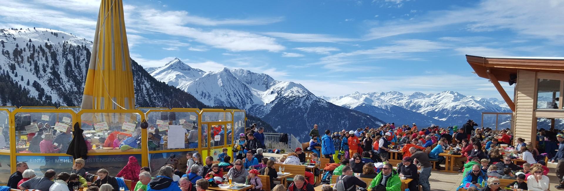 Hochzeiger Skigebiet Schirmbar