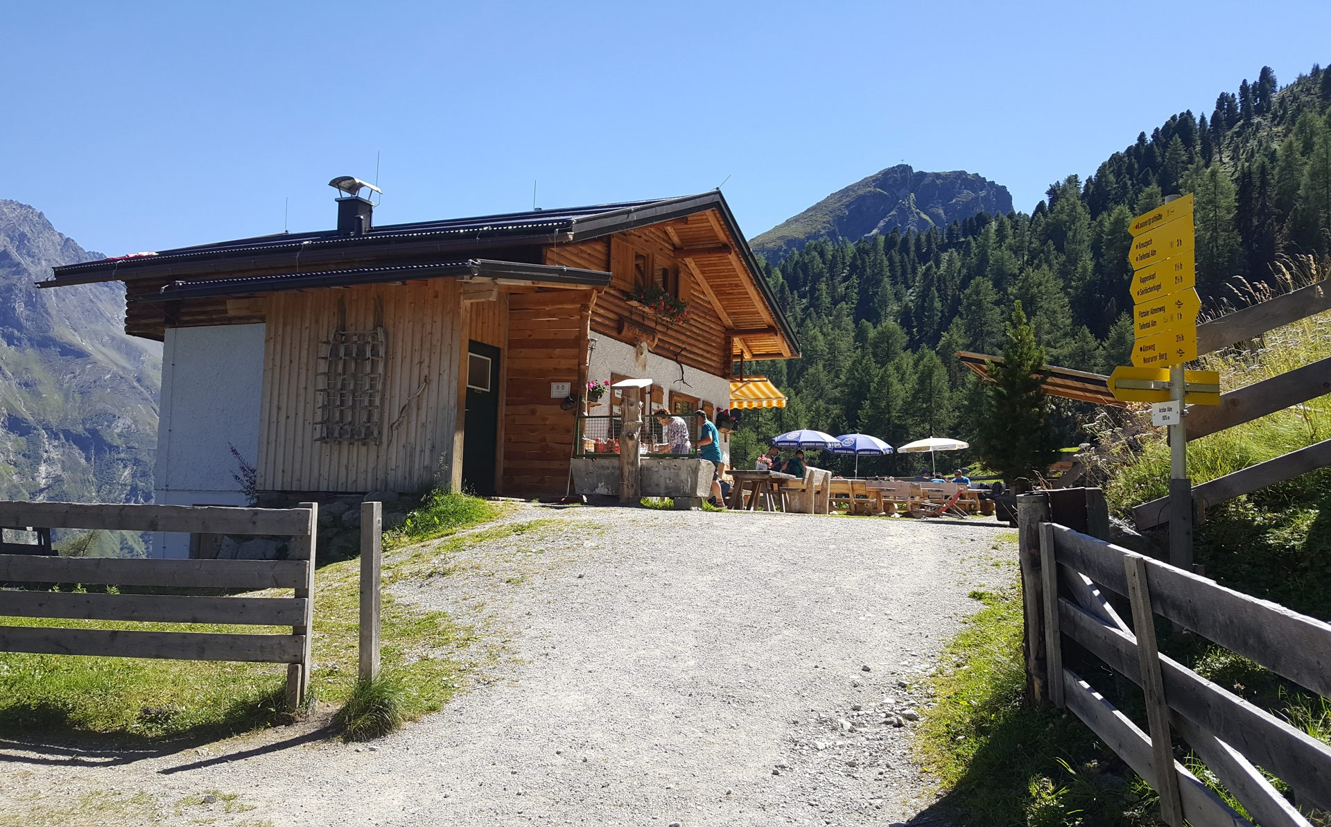 With the mountain bike to the Arzler Alm in Pitztal