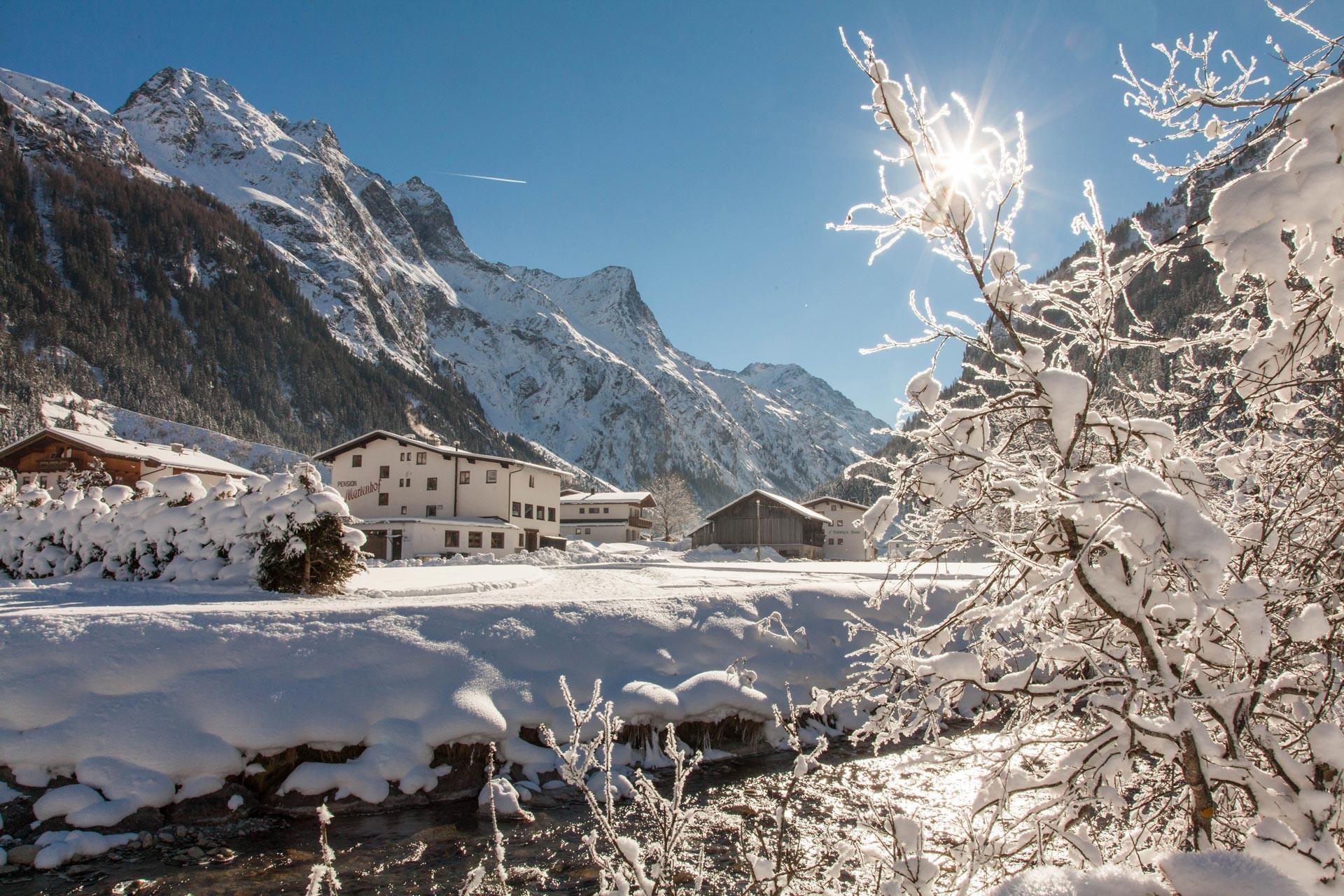 winter hiking in pitztal in tyrol �pitztal region