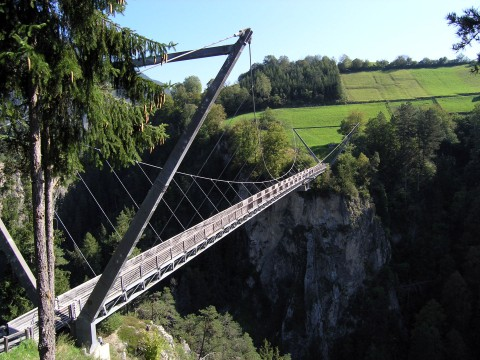Die Benni Raich Brücke in Arzl im Pitztal