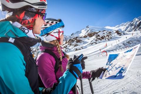 Beschilderte Routen im gesicherten Skiraum
