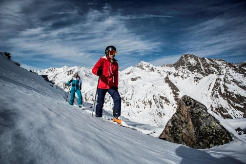 Freeriding at Pitztal Glacier