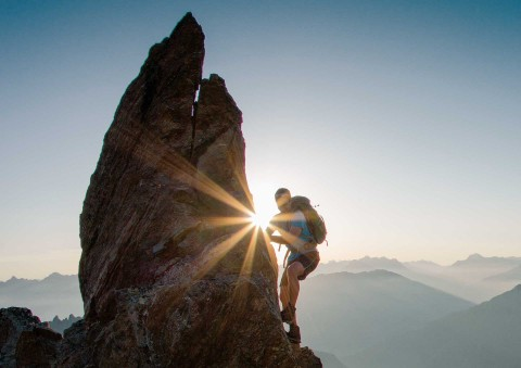 den Gipfel besteigen