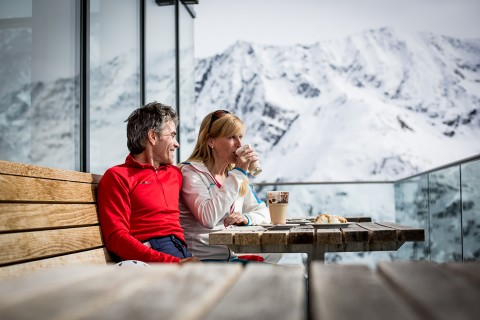 Coffee-Break at the Restaurant Sunna Alm Rifflsee