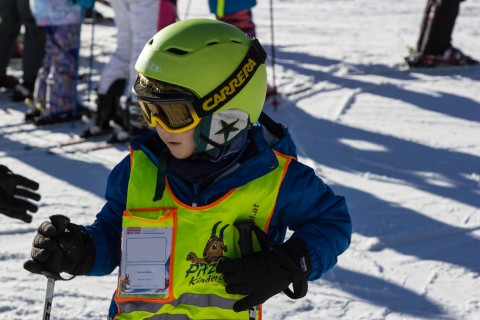Kids Ski Lessons guided by the Pros of Skischule Pitztal
