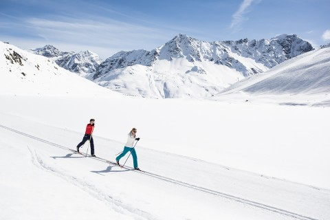 Cross-country Skiers at Rifflsee