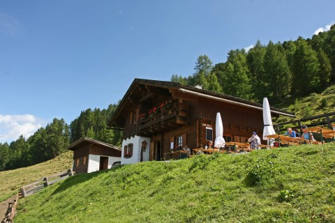 The Leiner Alm in the Hochzeiger hiking area