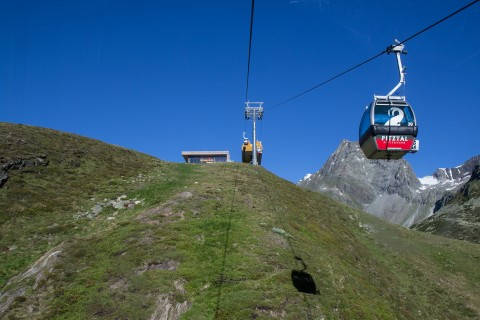 Gondola Uphill Ride towards Rifflsee