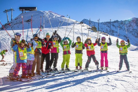 Pitztal Kids Ski School at Rifflsee