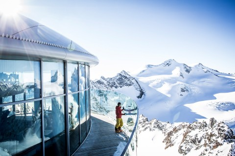 Winter Mood at Café 3.440 - Pitztal Glacier