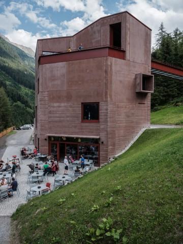Tiroler Steinbockzentrum im Pitztal am Schrofen