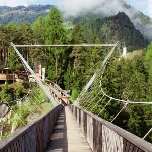 Benni Raich Brücke in Arzl im Pitztal in Tirol