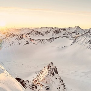 Sonnenaufgang am Cafe 3.440m Pitztaler Gletscher/Tirol