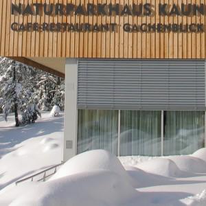 Das Naturparkaus Gachenblick im Naturpark Kaunergrar im Winter
