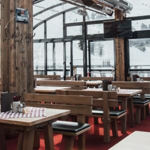 Panoramalounge im Hochzeiger Skigebiet