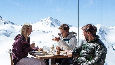 Kaffee und Kuchen im höchstem Kaffeehaus Österreichs