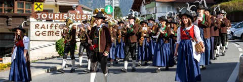 Hochzeiger summer final: Brass band concert & reduced mountain railway tariffs